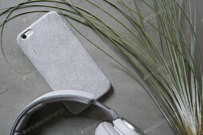 Hard graft fuzzy iPhone case with beoplay h7 headphones