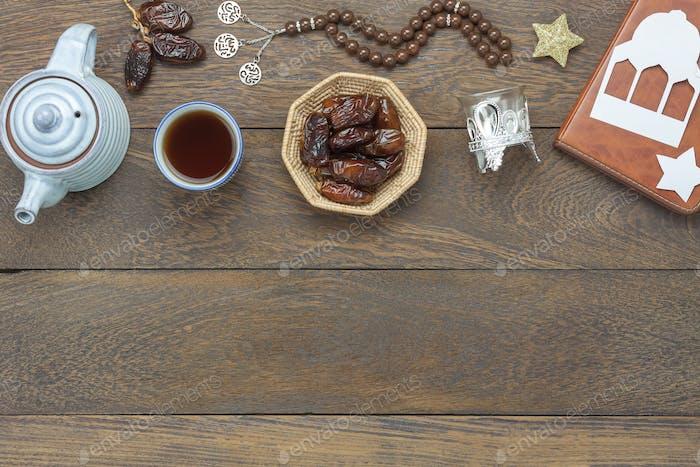 Tabelle Draufsicht Luftbild der Dekoration Ramadan Kareem Urlaub Hintergrund