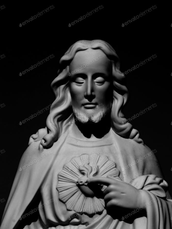 Statue of Jesus Christ in black and white