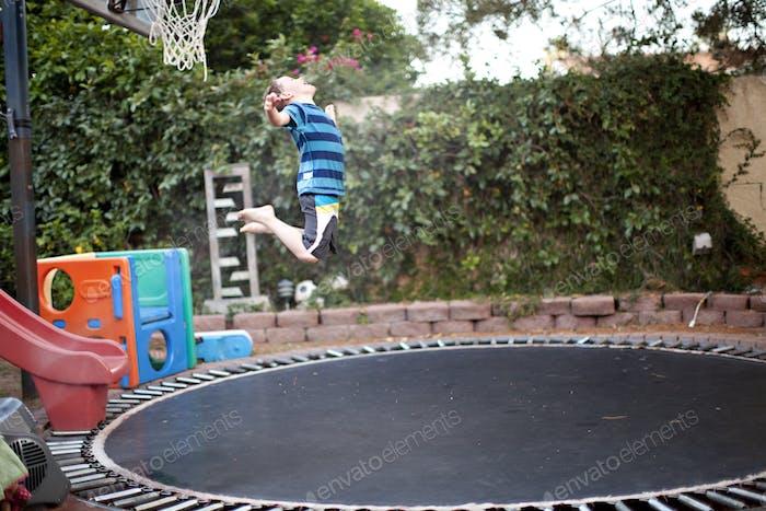 Jump Junge springen