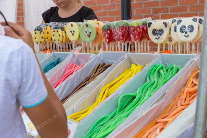 продавец конфеты