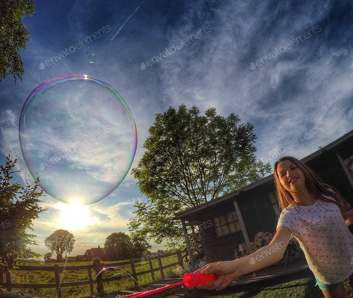 задний двор пузыри