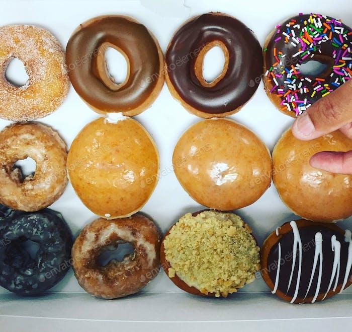 A dozen doughnuts = ❤️