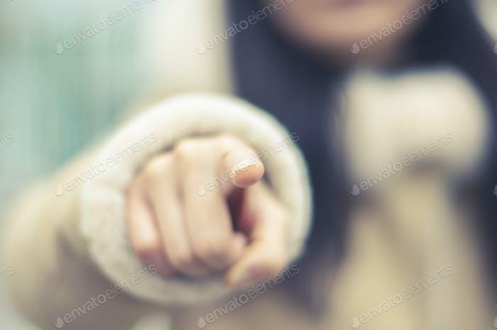 Señalando con el dedo
