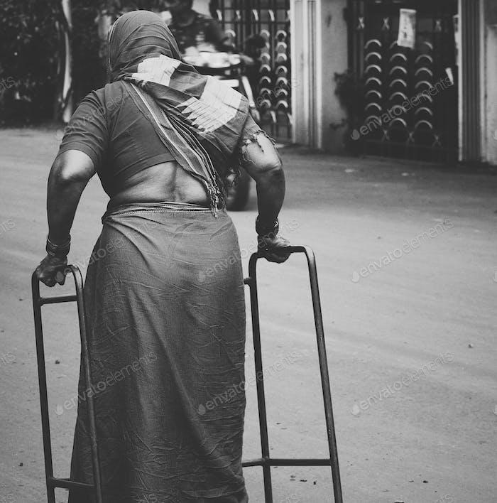 Apoyo a la discapacidad de vejez
