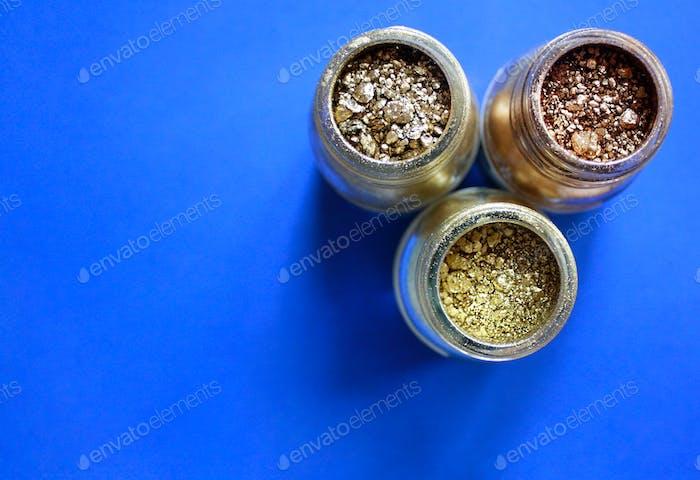 Golden pigments