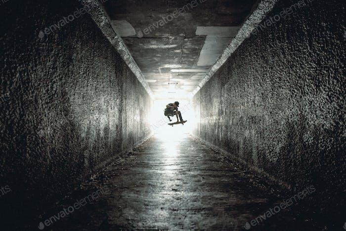 Tunnel Skateboarding