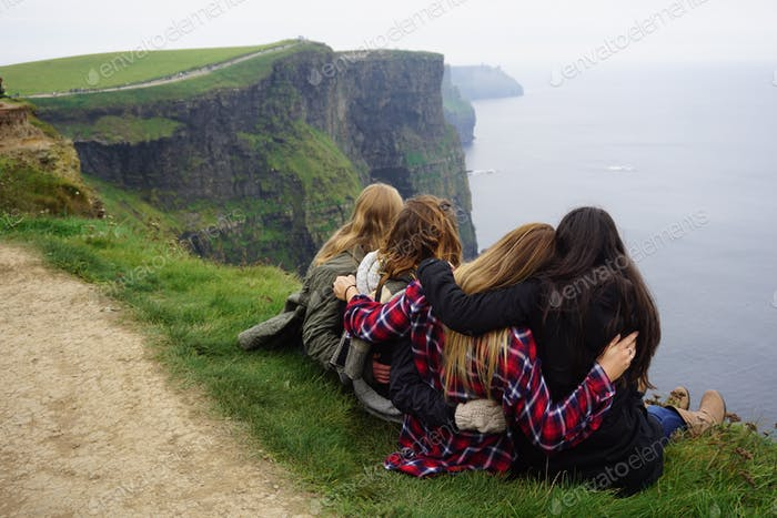 The luckiest lasses in all of Ireland