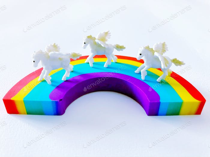 Unicorns 🦄 on rainbow 🌈