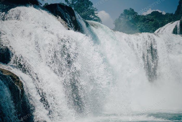 Cascada - La fuerza imparable