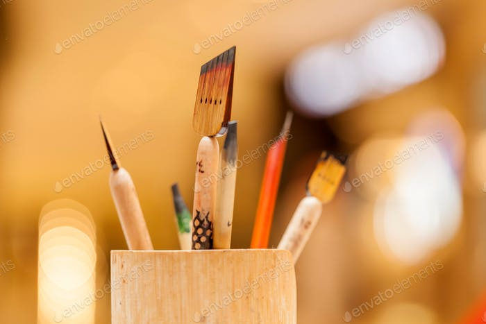Calligraphy set (nominated on Sept 30)