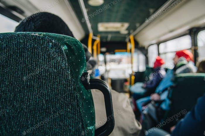 Innenansicht des Pendlerbusses