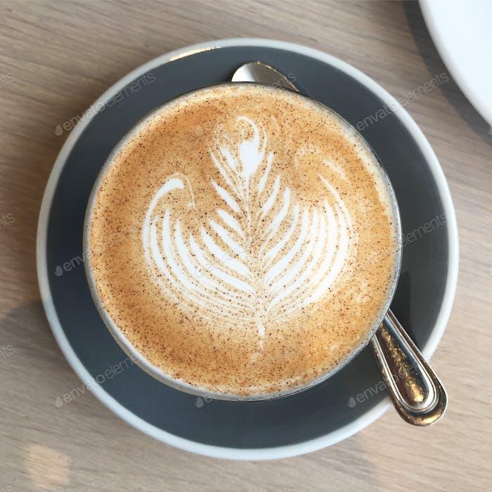 Overhead-Kaffeeschuss
