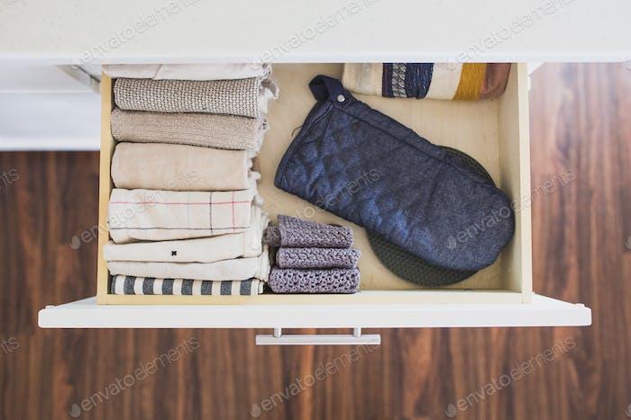 Kitchen towel drawer