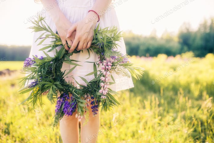 summer, wreath, woman, young, outdoors, girl, flower, floral, beautiful, natural, nature, spring, gr