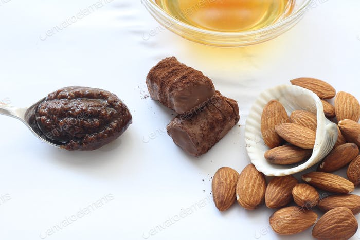 Mandel-Schokoladen-Peeling