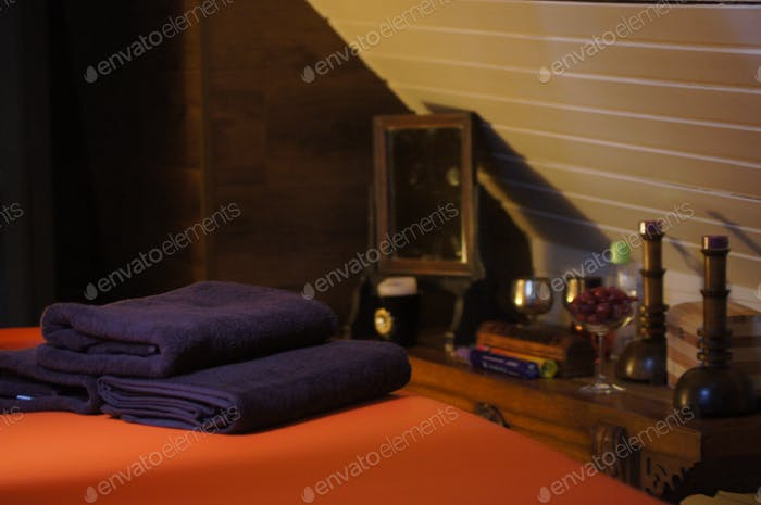 Massage table with towels