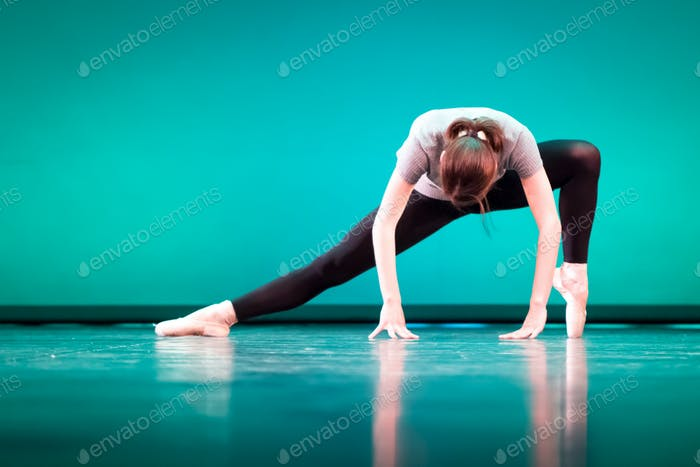 Modern Style Woman Dancer