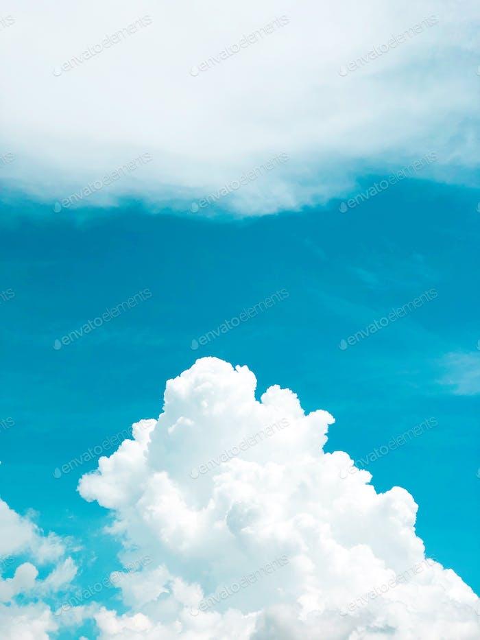 sky skies blue sky blue skies cloud clouds fluffy puffy skyscape skyscapes cloudscape cloudscapes