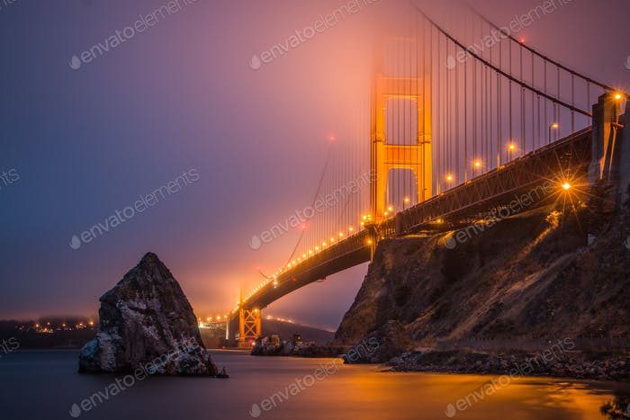 Golden Gate Bridge in foggy mood