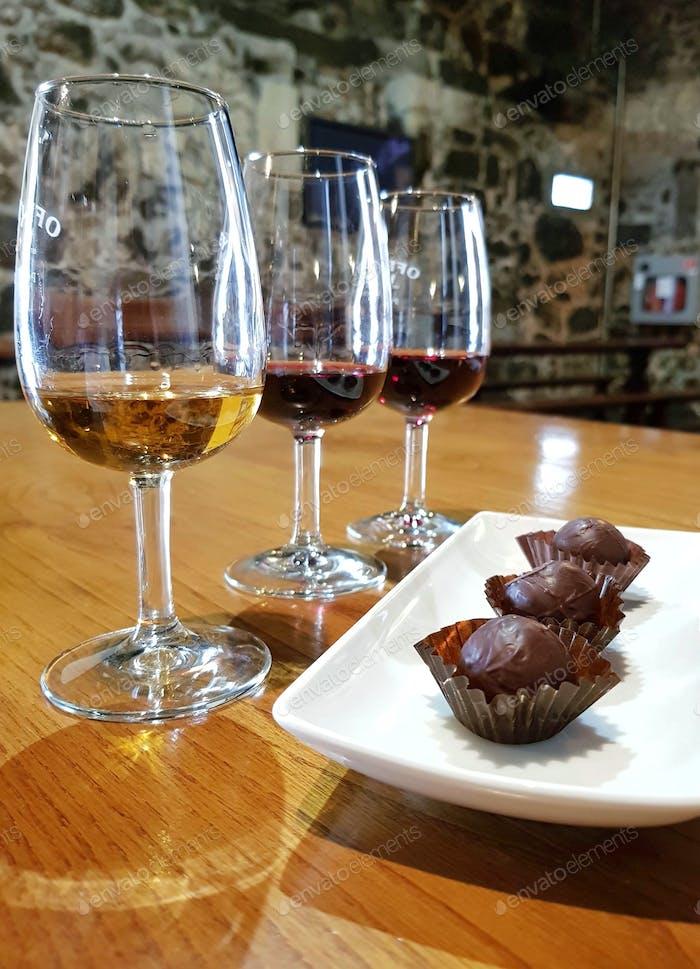 Wein- und Schokoladenverkostung