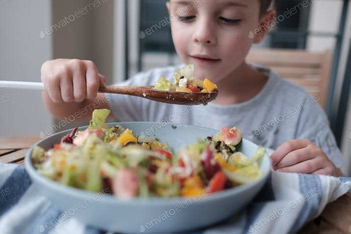 Healthy eating habit of a young one