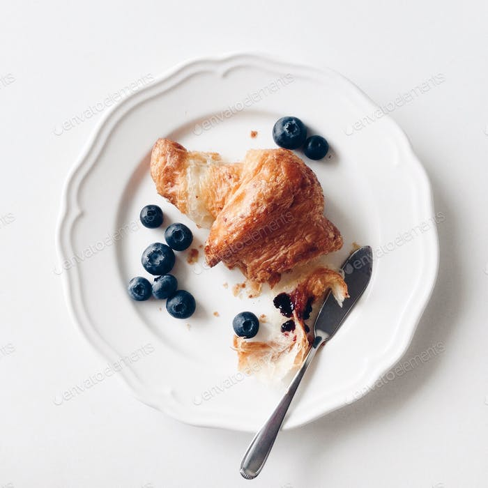 Wholewheat croissant with blueberries.