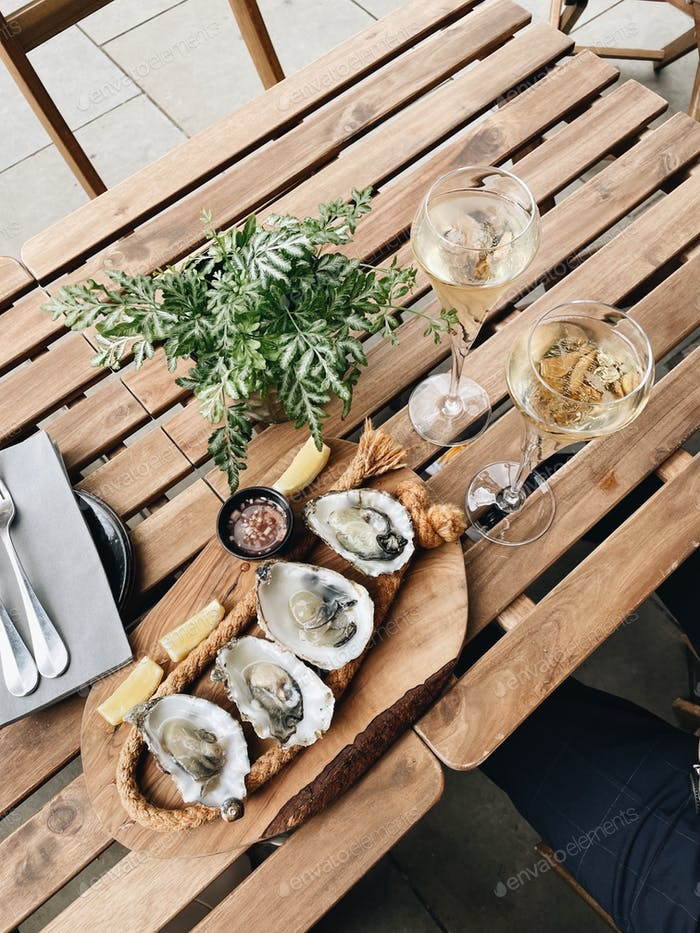 Oysters and champagne from above
