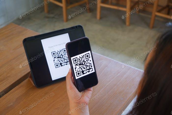 Escaneo de código QR, pago, pago sin efectivo