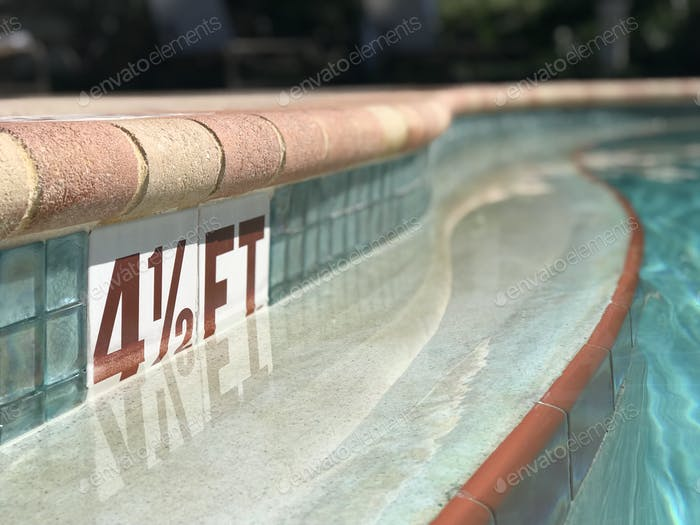 Curve and View from the swimming pool of the pool depth number