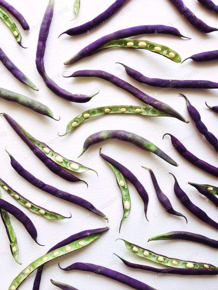 Purple hull peas pattern.