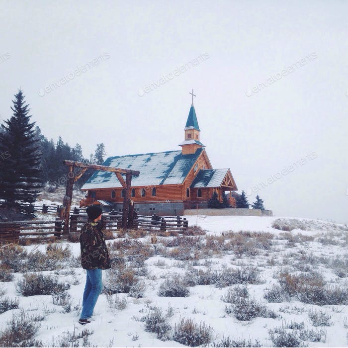 A snowy Utah walk through Duck Creek Meadow.