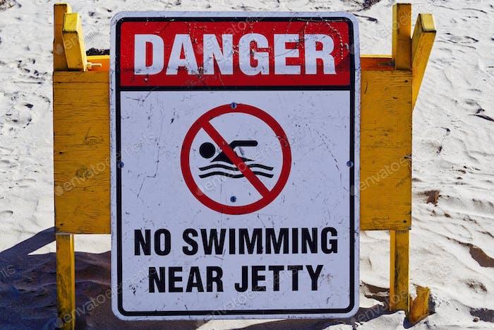 Warning beach sign