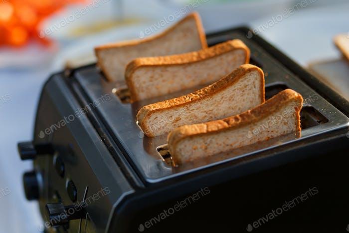 Brot-Toaster