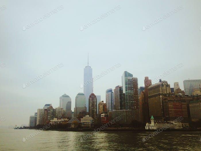 The sleepless metropolis