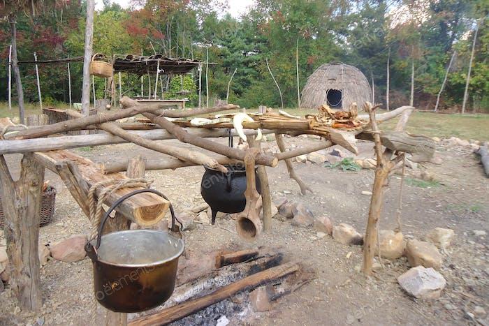 Indígenas indígenas indígenas ganatastwi tribu exhibición al aire libre Frontier Culture Museum 1730s
