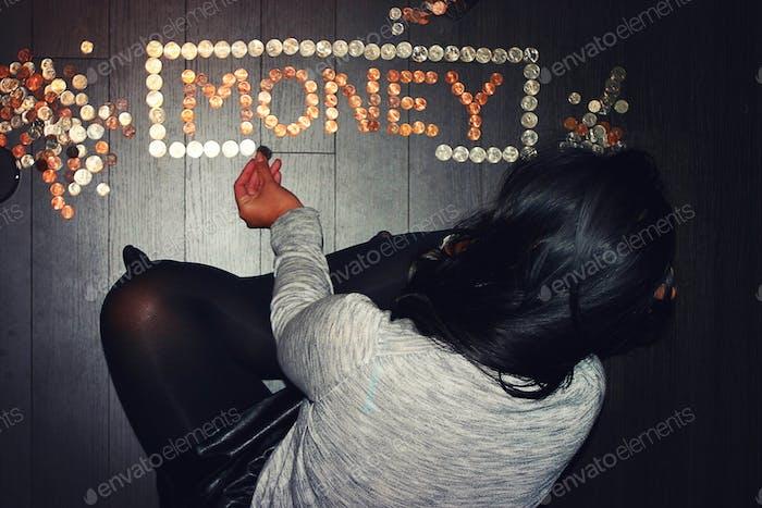 Geld zählen.. Kneifen Pfennige.. Das Erwachsenenalter kämpft. Waahhhh 😓