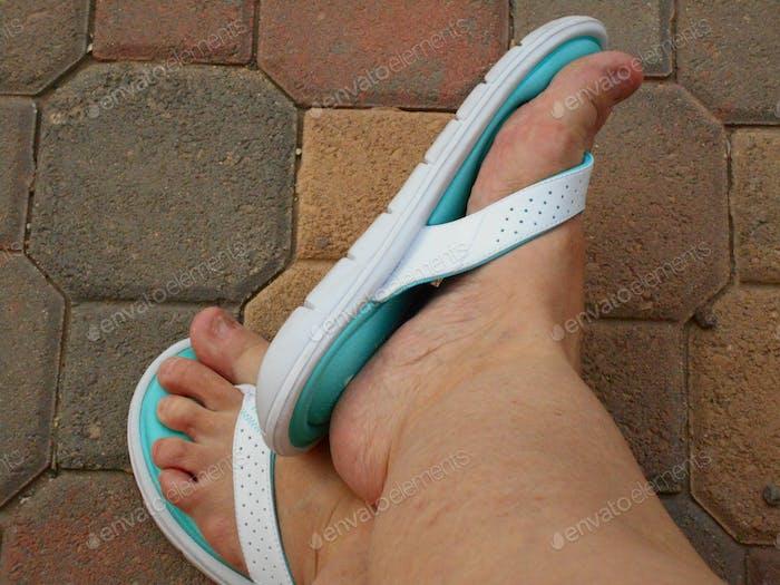 Sumner Vibes! Flip Flops!