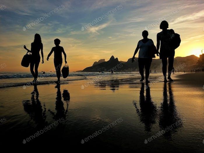 Caminhada na praia