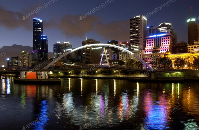 The Evan Walker Bridge crosses the Yarra River from the City of Melbourne to the Southbank of