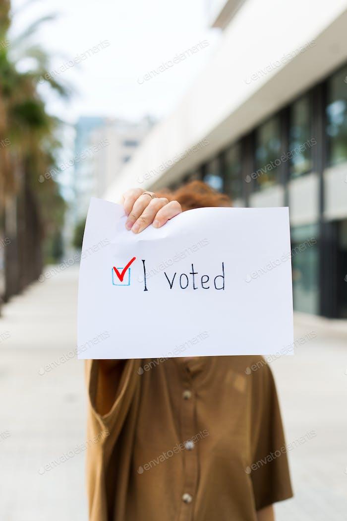 Der Aktivist ruft zur Abstimmung auf. Präsident, Verfassungswahl. Aktive Lebensposition