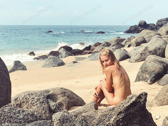 Girl naked beach Mobile Real