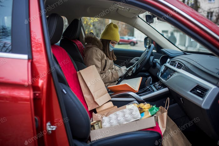Delivery, food, courier, craft, packages, box, volunteer, helping the homeless, the poor