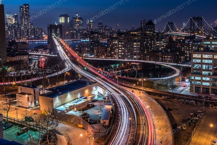 Vista de los puentes de Brooklyn y Manhattan