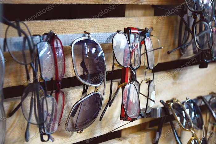 Different types of second-hand eyewear for sale