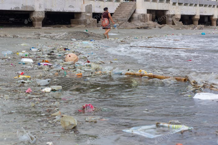 Plastic pollution environmental problem in ocean