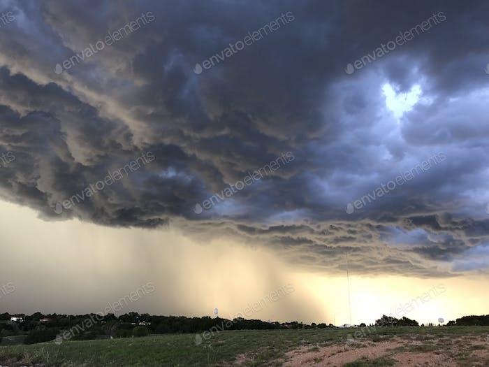 Der  stürmische Texas Sky.