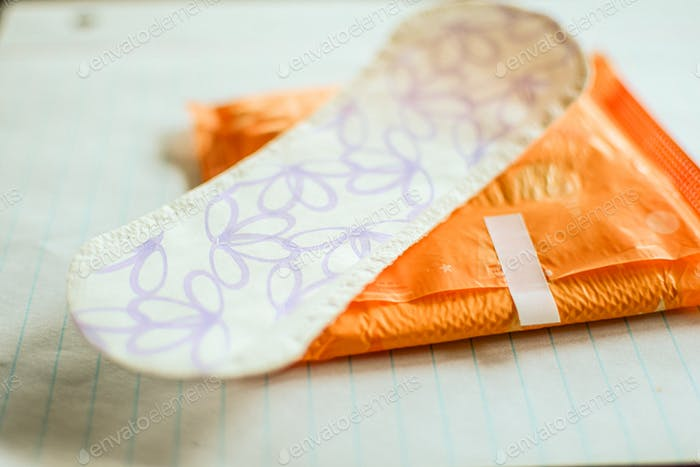 feminine hygiene clean sanitary pad