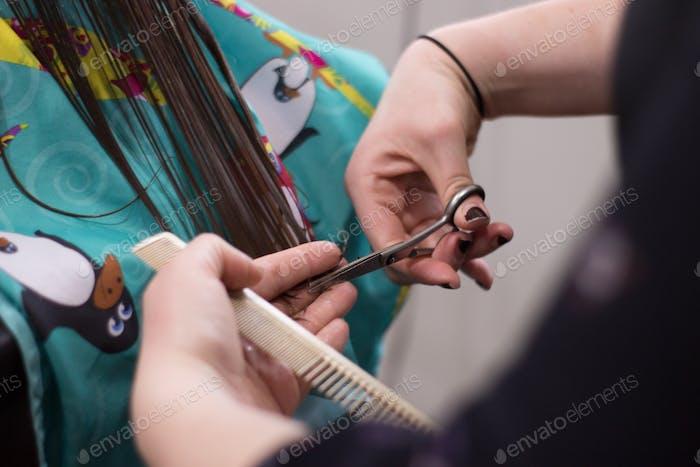 Erster Haarschnitt