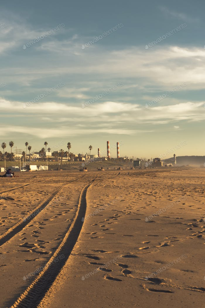 The end of a day, and also our session at Dockweiler Beach.